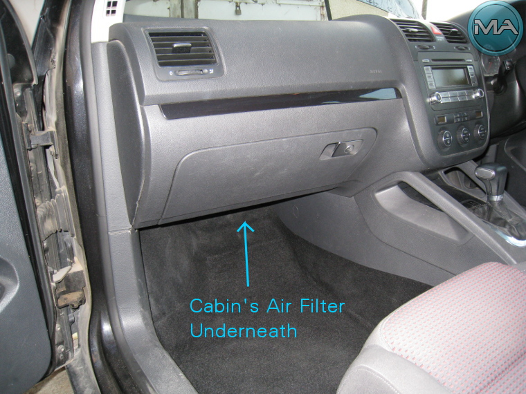 replace cabin 39 s air filter vw golf 5 v tsi michael. Black Bedroom Furniture Sets. Home Design Ideas